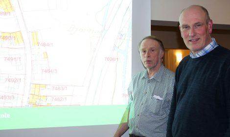 Eiendomsdirektør Geir Øystein Andersen (t.h.) i KKE og Odd Arne Helleberg i Kongsberg Byhistorielag har hovedrollene under arrangementet 23. mai fra klokken 18.00.