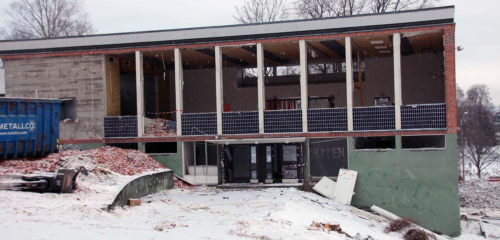 Den gamle gymsalen står snart for tur til å bli revet.